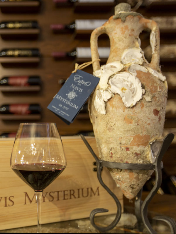 Amphora Wine - Underwater Wine